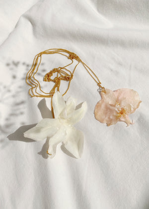 Orquidea Pendant Necklace