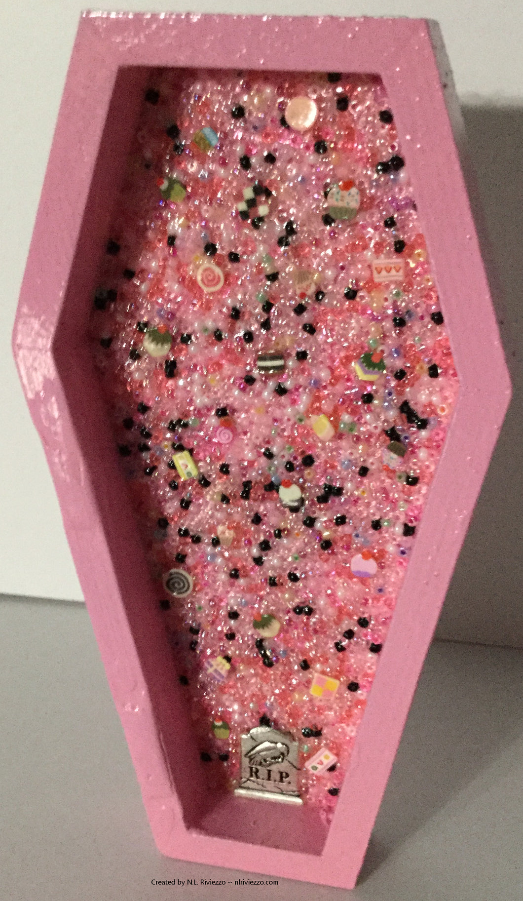 Bead Mosaic - Cake or Death