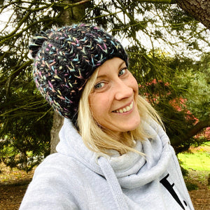 Adults - Cosy knit pom pom beanie