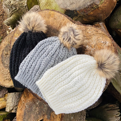 SALE - Adults - Faux fur pom pom beanie