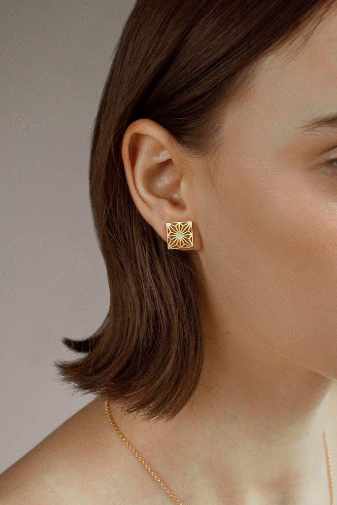 Asa Gold Stud Earrings