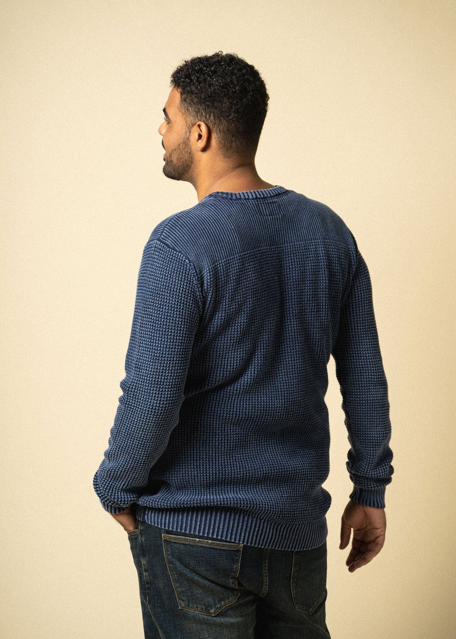 Longjohnandsons-tallmens-acidwashsweater-navy-back