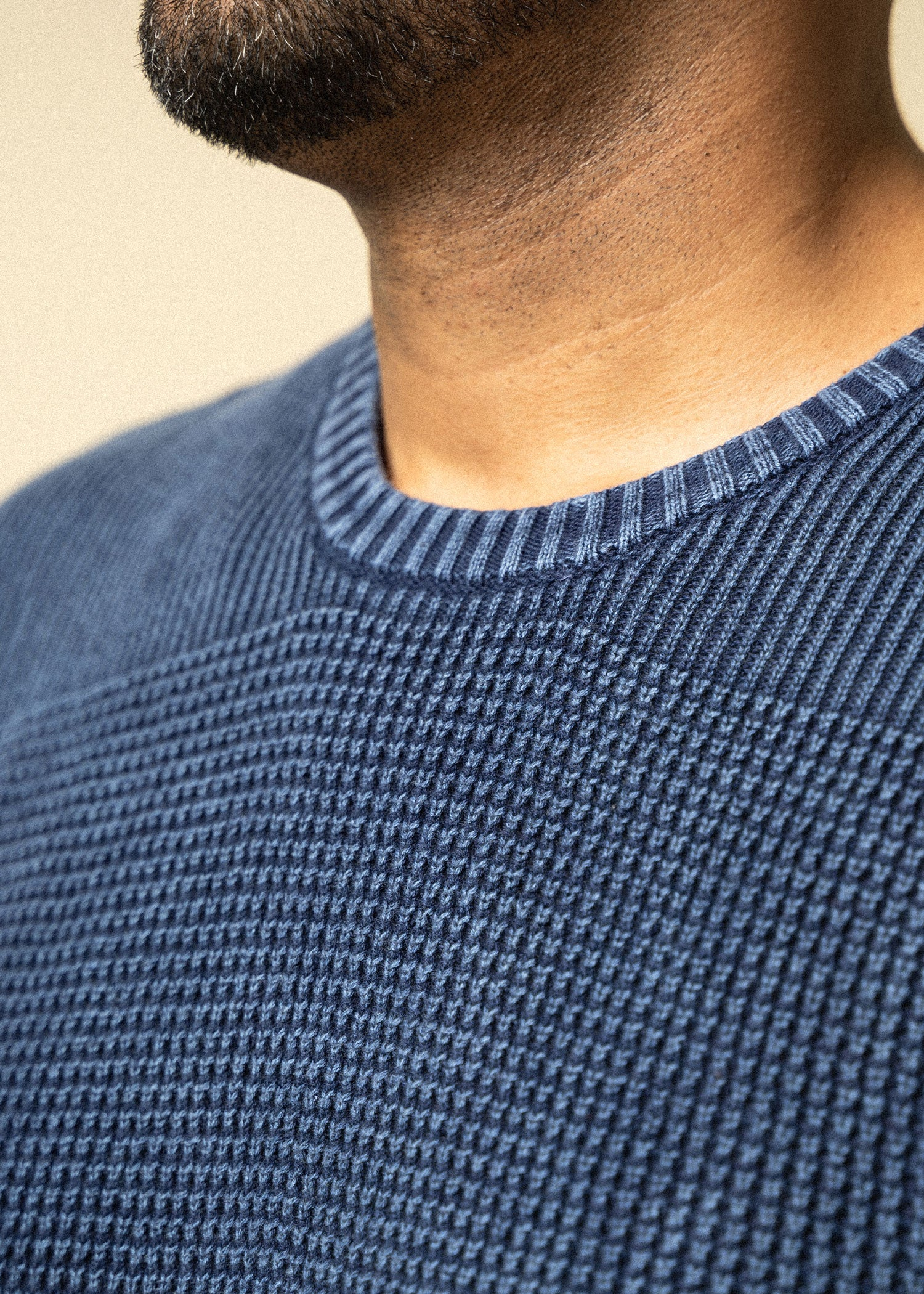 Longjohnandsons-tallmens-acidwashsweater-navy-closeup
