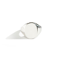 Load image into Gallery viewer, Large Oval Signet Ring | SMITH Jewellery