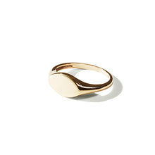 Load image into Gallery viewer, Small Oval Signet Ring | SMITH Jewellery
