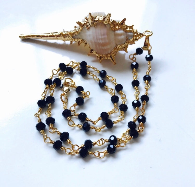 Bondhu Conch Shell Necklace