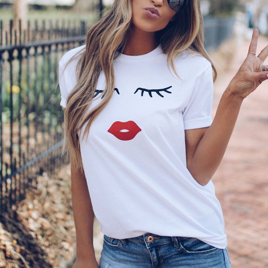 Fun and Cute Eye Lashes and Red Lips Print for Women, Casual Top, Short Sleeve O Neck Tee