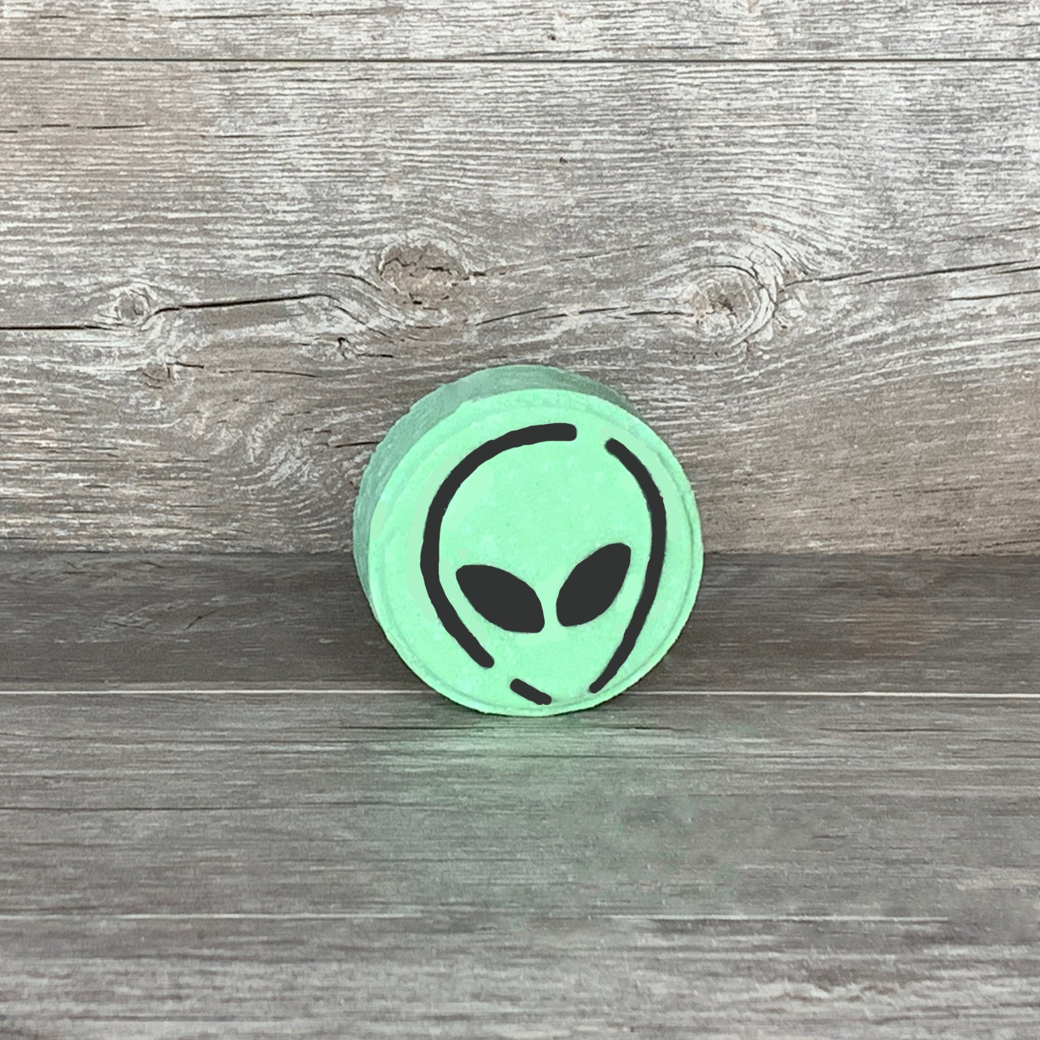 Alien Invasion Bath Bomb