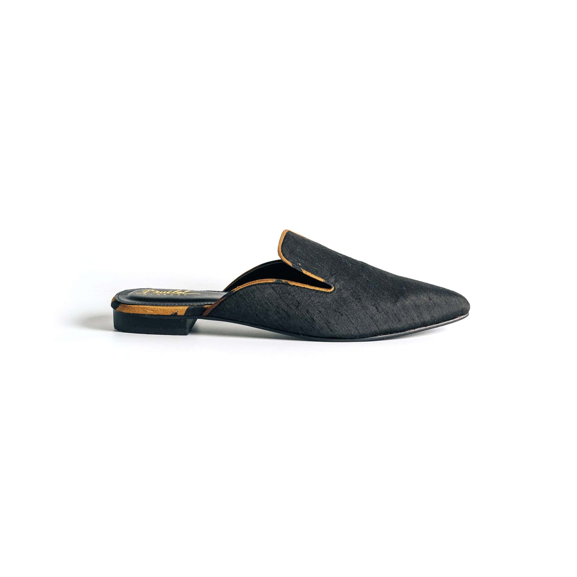 Wild in the city Mule Slippers - Black/Courage Amber - BWILD byHeart