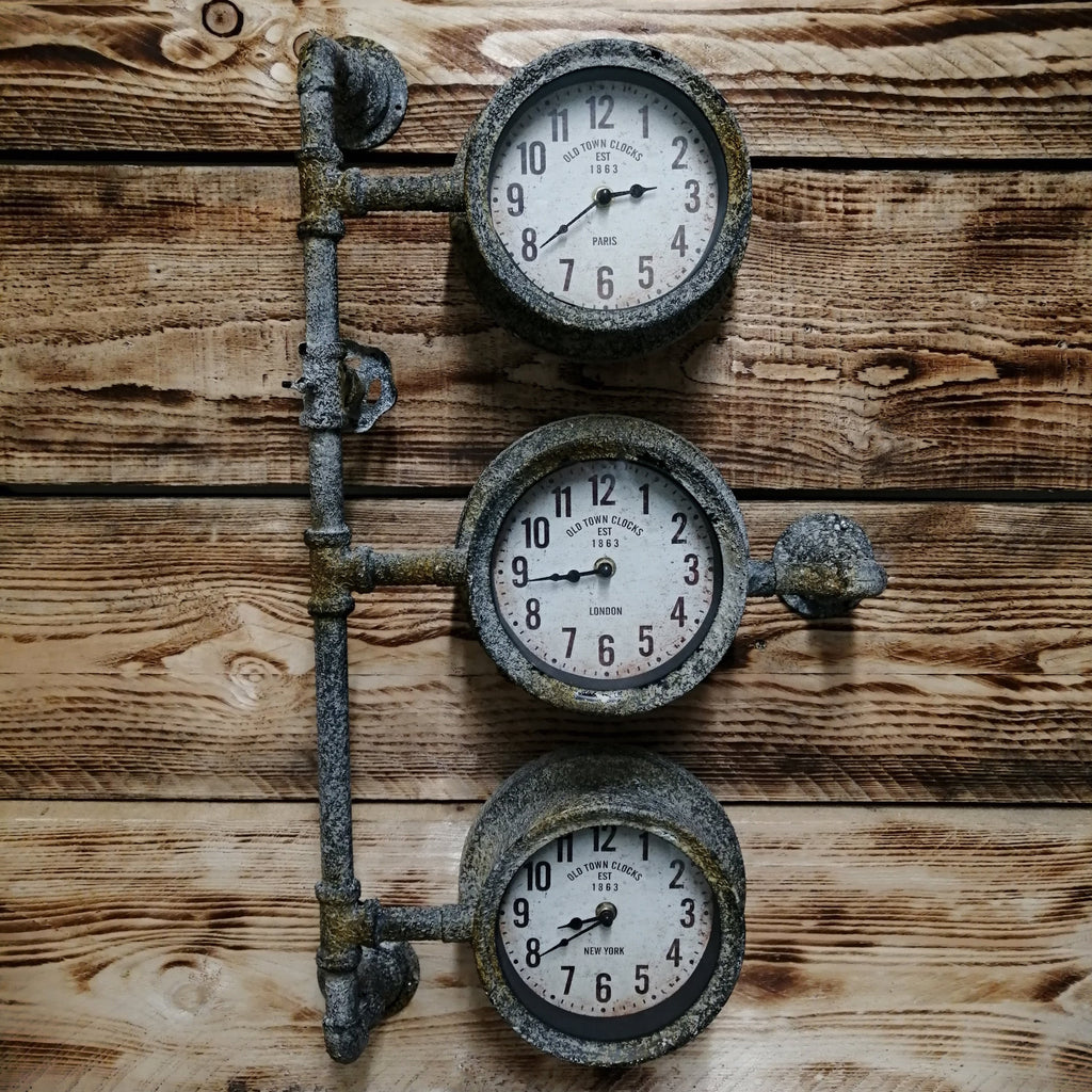 Pipe Triple Clock