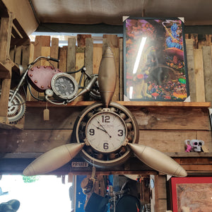 Large Propeller Clock