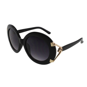 MQ Astrid Sunglasses in Black / Smoke
