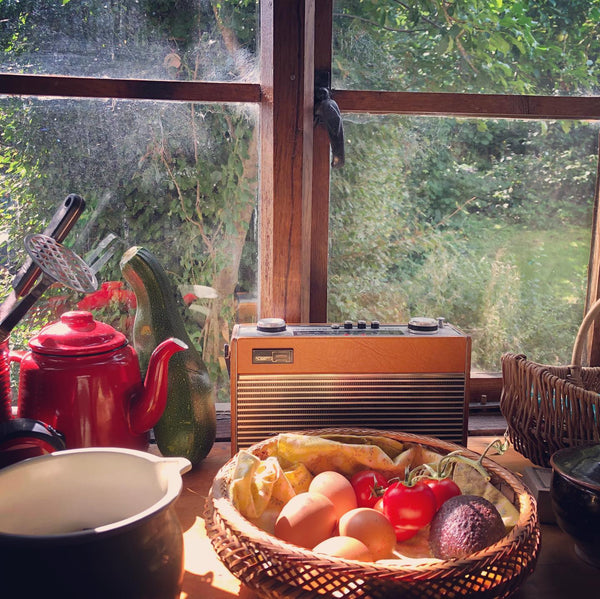Roberts R23 Radio In Kitchen - Photo by Kitty Rowley