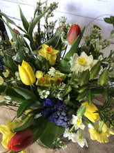 Load image into Gallery viewer, Mother's Day: The Brights Luxury bouquet