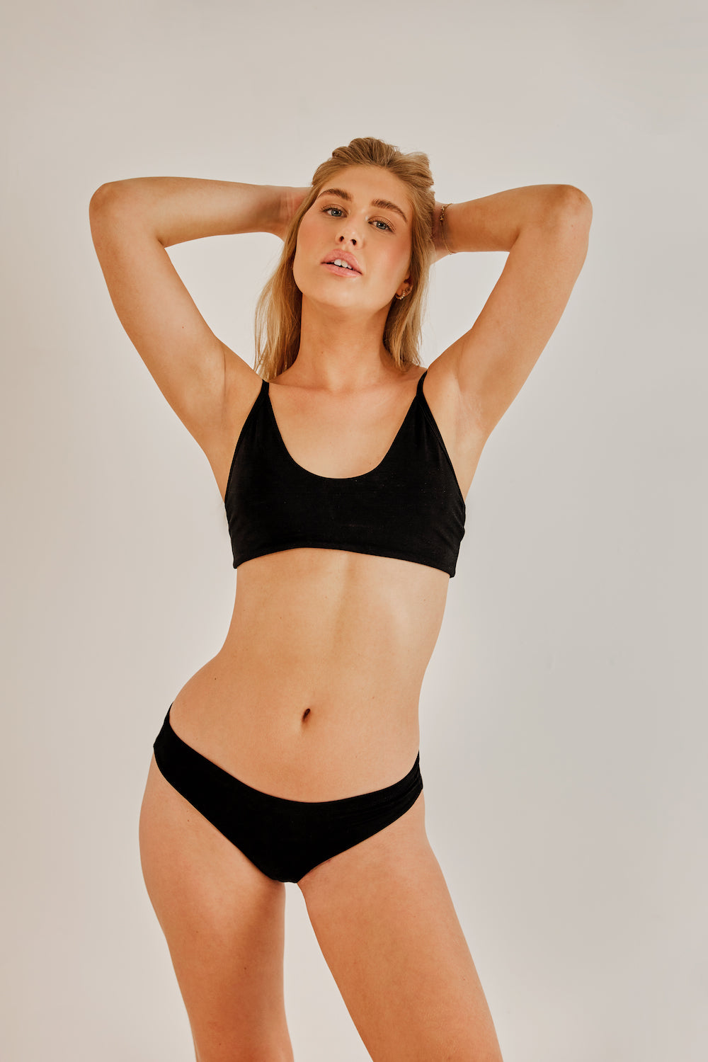 The Cari Bra Black