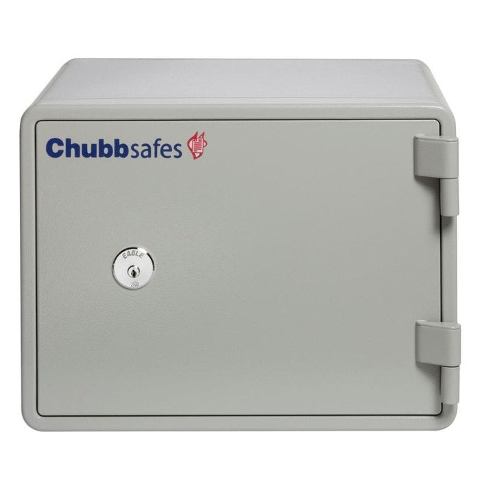 Chubbsafes Executive 15 K Key locking fireproof safe door closed