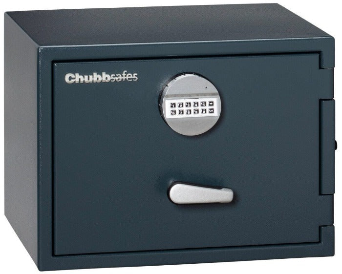 Chubbsafes Senator Grade 0 M1E Electronic Locking Safe with door closed