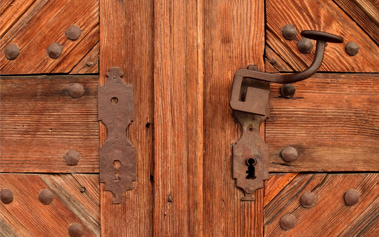 Locksmith Genius: The Key and the Gate