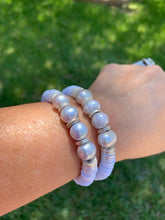Load image into Gallery viewer, London Lane Fiji Blue Pearl and Heishi Bracelet