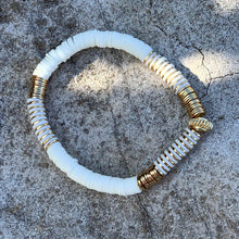 Load image into Gallery viewer, London Lane Rome Heishi Bracelet 6mm