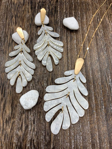 Marbled Leaf Necklace and Earring Set