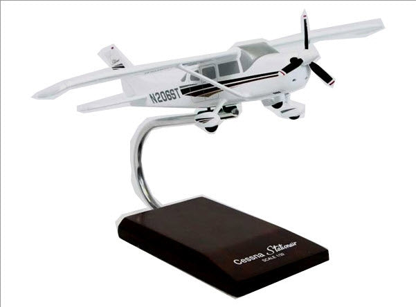 Cessna C206 Stationair Aircraft 1/32 Scale Desk Model