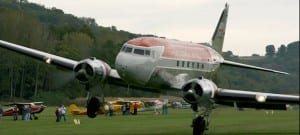DC-3 Landing In Crosswind