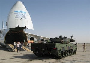 Russian aircraf unloads tanks in Afghanistan