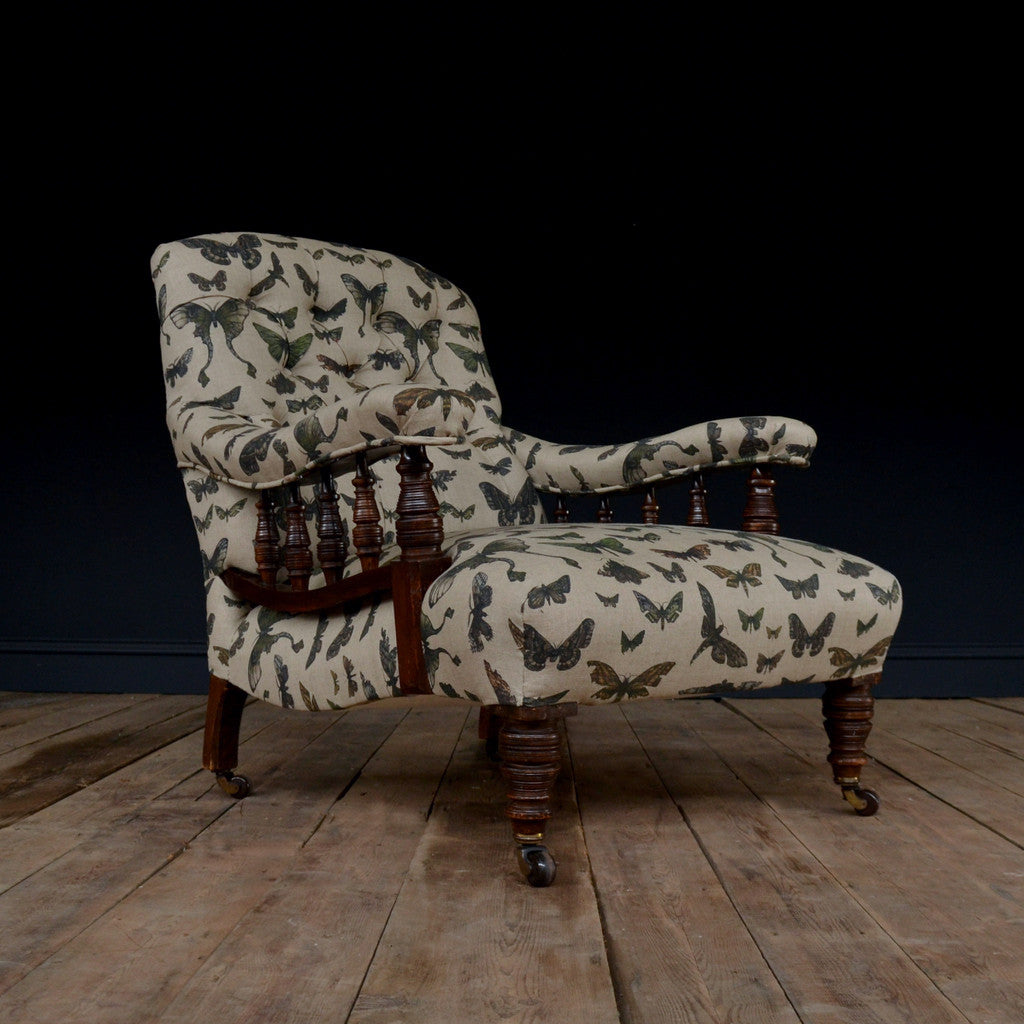 19th Century Button Back Oak Library Armchair - Moth