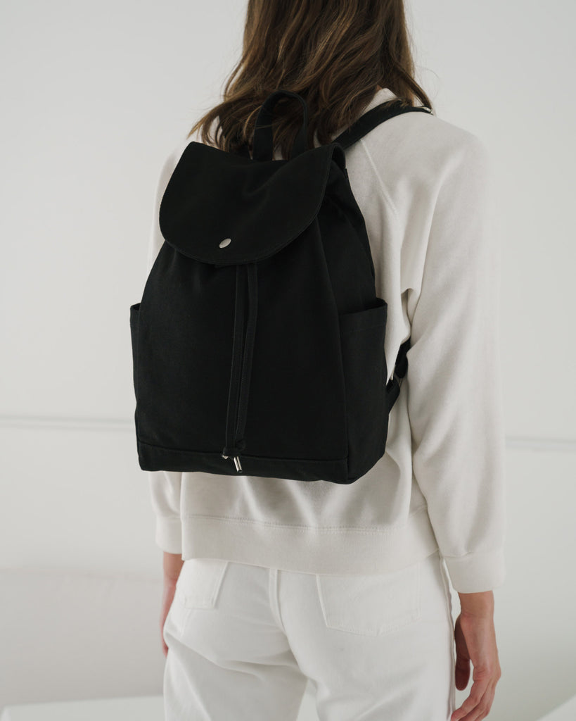 BAGGU Drawstring Backpack (Black). Worldwide Free Shipping - Singapore, Malaysia, Brunei, Indonesia, India, Japan, Hong Kong, USA, UAE and Europe!