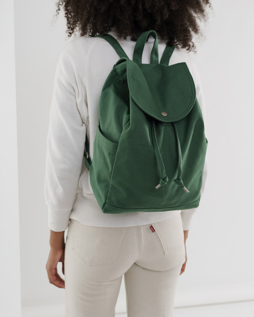 BAGGU Drawstring Backpack (Eucalyptus). Worldwide Free Shipping - Singapore, Malaysia, Brunei, Indonesia, India, Japan, Hong Kong, USA, UAE and Europe!
