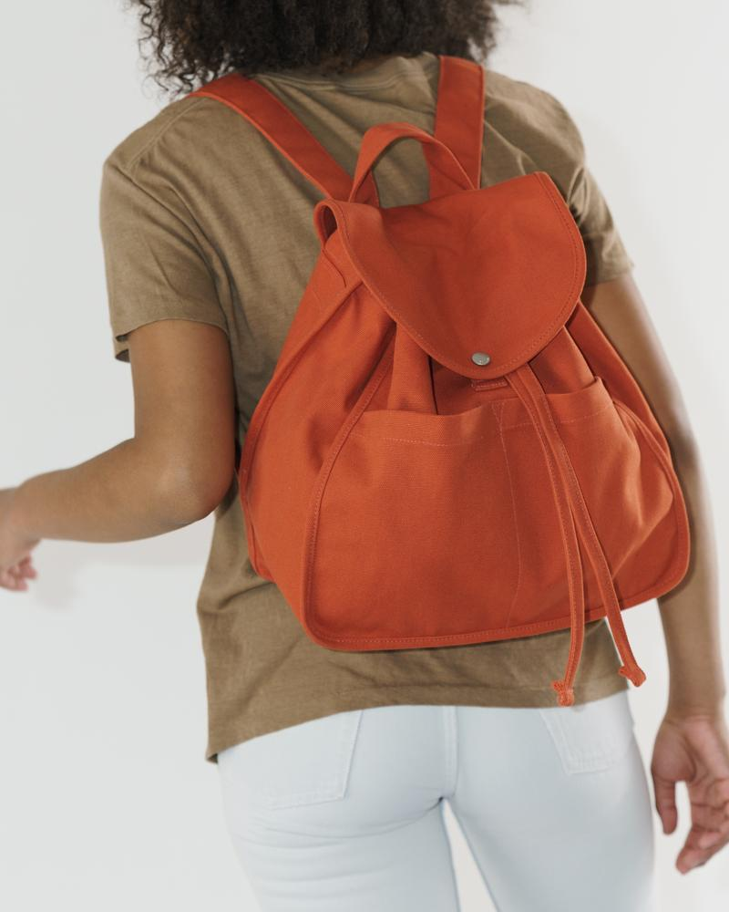 BAGGU Drawstring Backpack (Sienna). Worldwide Free Shipping - Singapore, Malaysia, Brunei, Indonesia, India, Japan, Hong Kong, USA, UAE and Europe!