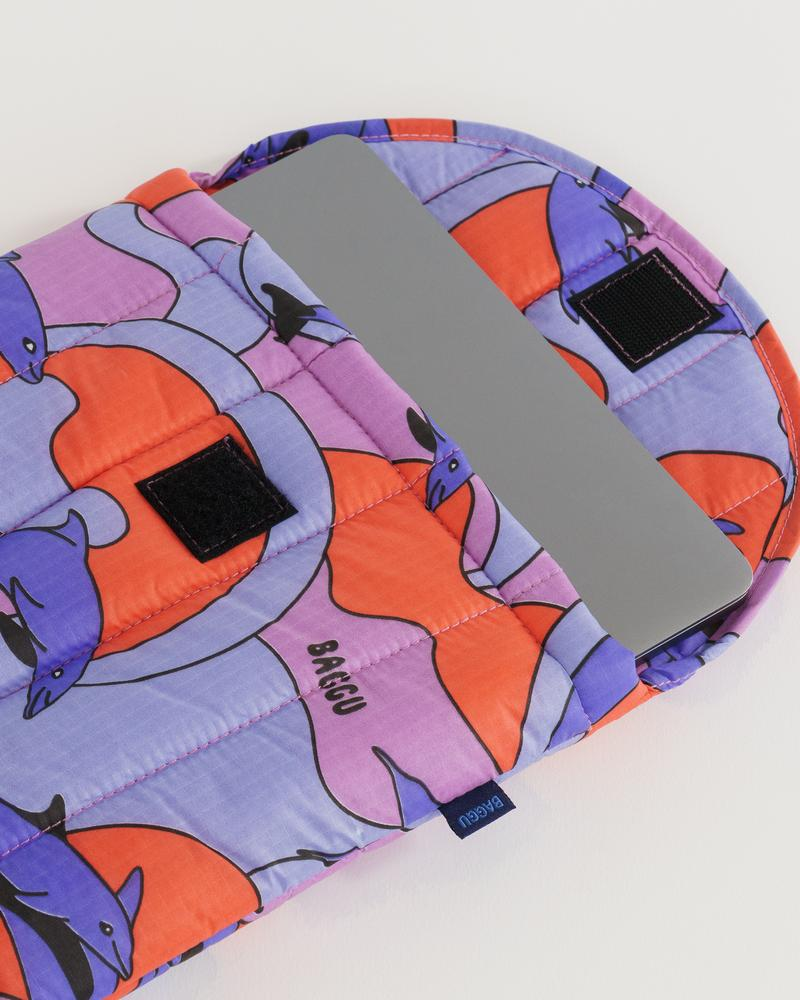 "BAGGU Puffy Laptop Sleeve 13"" (Dolphins)"