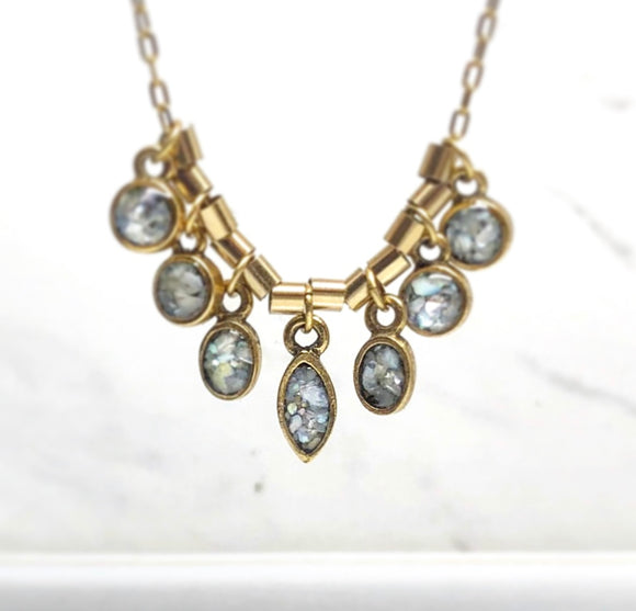 Mother of Pearl mini 7 stones Necklace