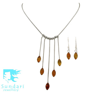 An Elegant Yellow Amber Necklaces Set presented in handcrafted .925 Sterling Silver