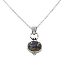 Load image into Gallery viewer, Oval Shaped simple but elegant pendant with a cabochon Labtradorite stone