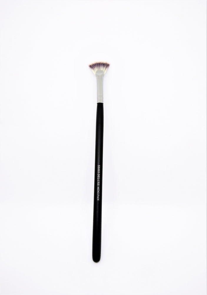 Deluxe Mini Fan Makeup Brush SS005
