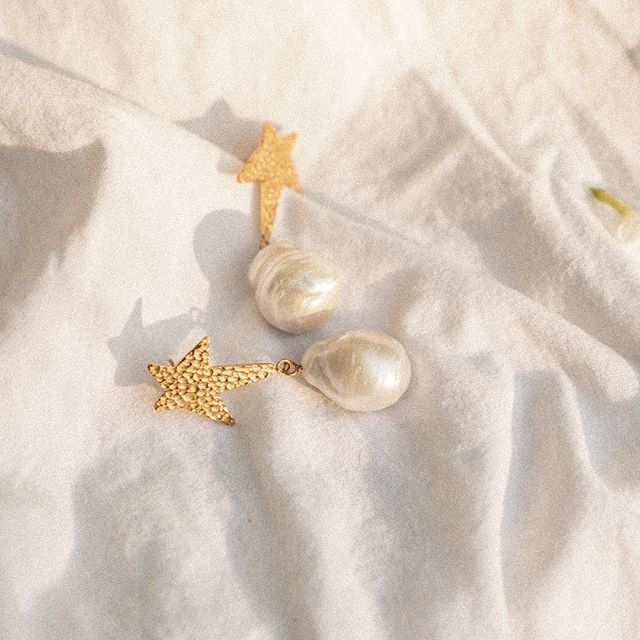 PRE ORDER: carly paiker siren star baroque pearl earrings