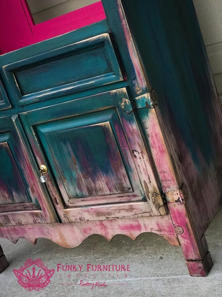 How to layer and blend chalk paint - part 2