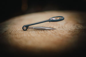 Fine Point Tweezer with built in magnifying glass