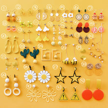 Laden Sie das Bild in den Galerie-Viewer, Sunflower Earrings