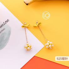 Load image into Gallery viewer, Buy Sunflower Earrings