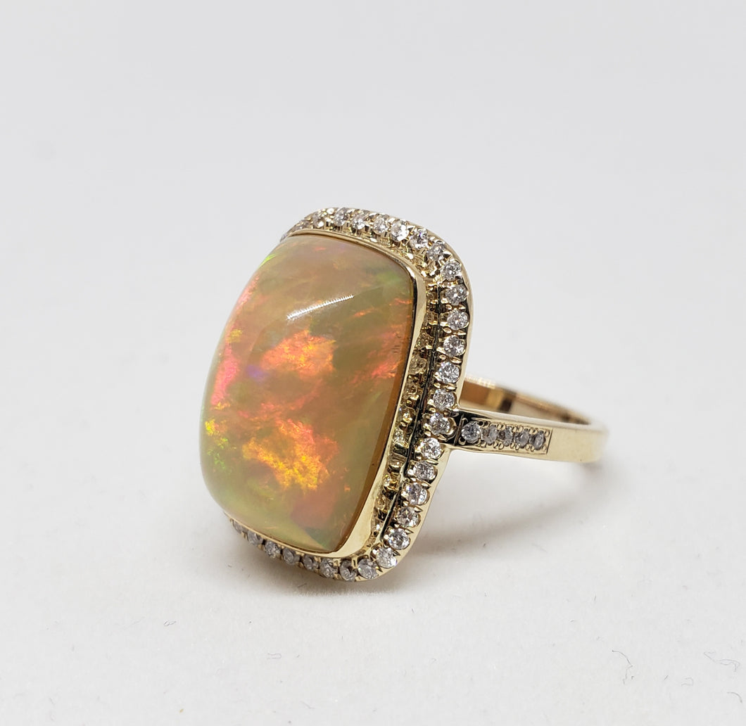Opal & Diamond Ring 14k Gold