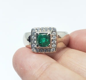 Emerald & Diamond Ring 14 White Gold -  Size 7