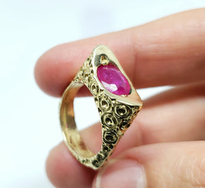 Ruby Ring 14 Karat Gold Jewelry #135