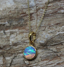 Load image into Gallery viewer, Gold Opal Pendant