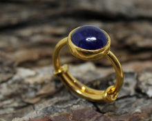 Load image into Gallery viewer, Blue Sapphire Gold Ring