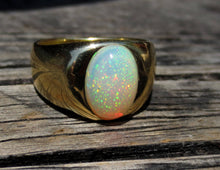 Load image into Gallery viewer, Men's Opal 18k Gold Ring