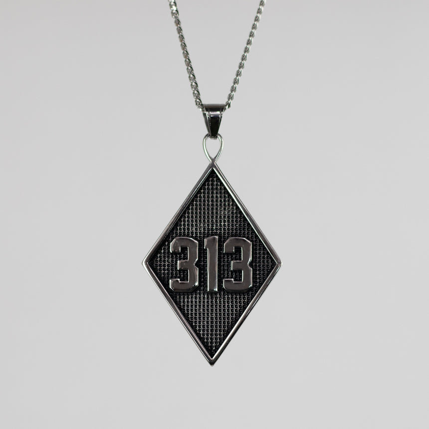 313 Solid Pendant Necklace - Silver