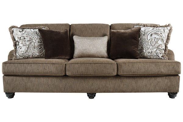 40901 Braemar Brown Sofa & Loveseat
